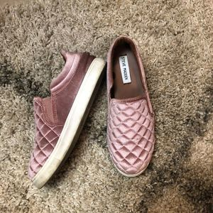 Steve Madden Elorra Pink Quilted Velvet Sneakers